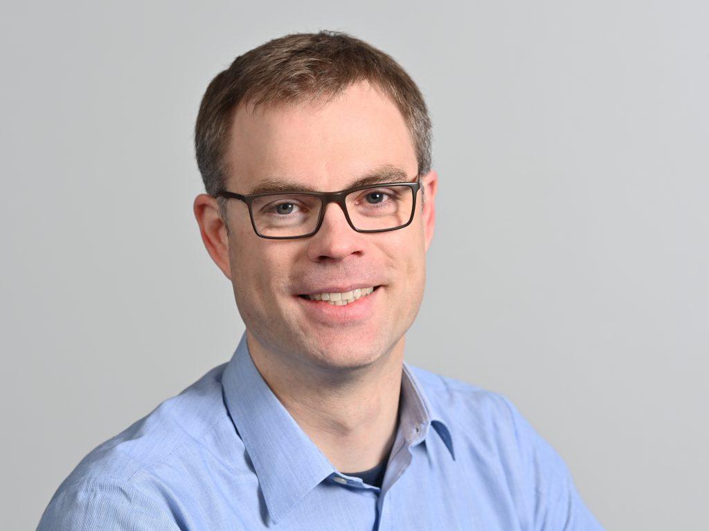 Dr. Tobias Niebling